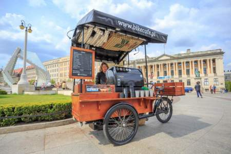 Reportaże miejskie rowerowej kawiarni Bike café