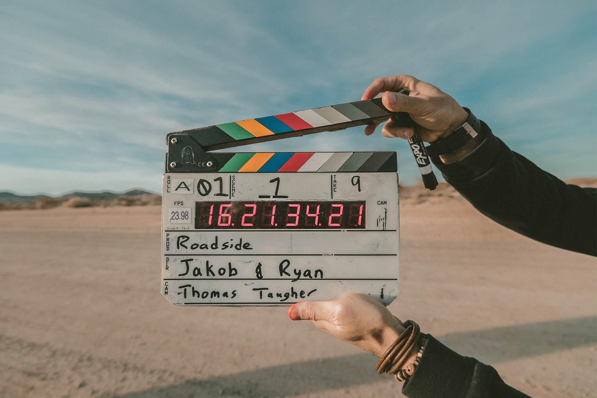 W jaki sposób powstaje produkcja filmowa?